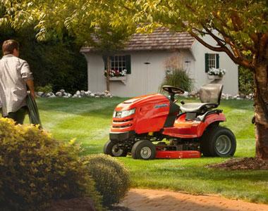 Simplicity Broadmoor 44 inch 22 HP (Briggs & Stratton) Lawn Tractor