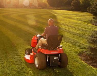 Simplicity Conquest 52 inch 25 HP (Briggs) Garden Tractor w/ Suspension  Comfort System